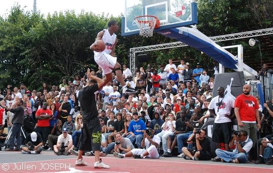 http://gobasket.free.fr/QUAI54/goldenchild_over_kadour.jpg